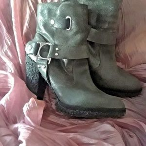 Sigerson Morrison Gray Sherpa Lined Moto Bootie